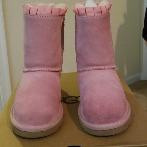 c38ddac9194 UGG Kids Bailey Bow Ruffles in Pink